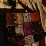 Bolso bordado con lentejuelas y canuitllos